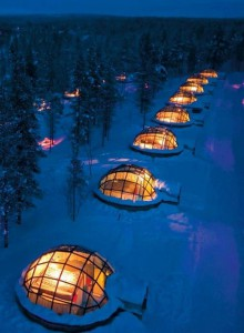 Renting a glass Igloo in Kakslauttanen, Finland to sleep under the Northern Lights